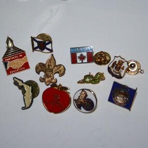 Vintage pin lot (x10)